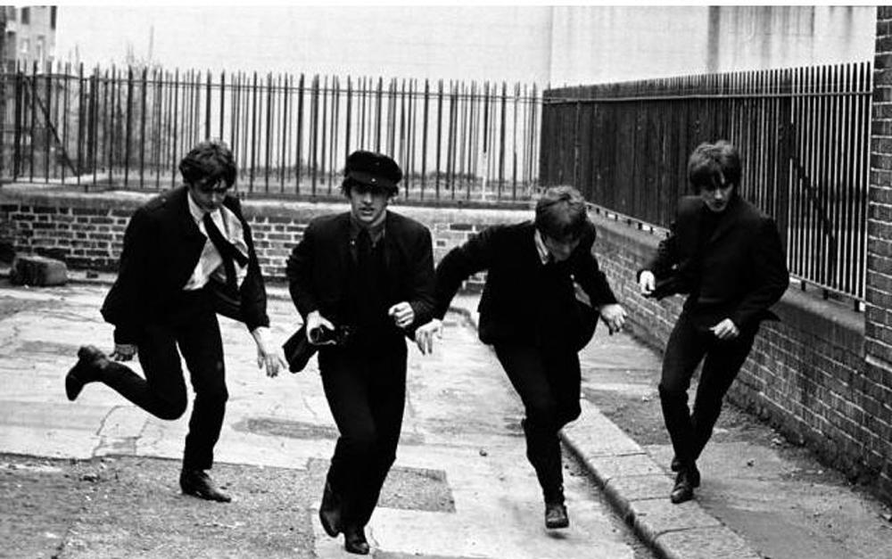 The-Beatles-a-hard-days-night-24207884-1000-627