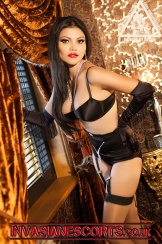Elegant Callgirl Nikki 3