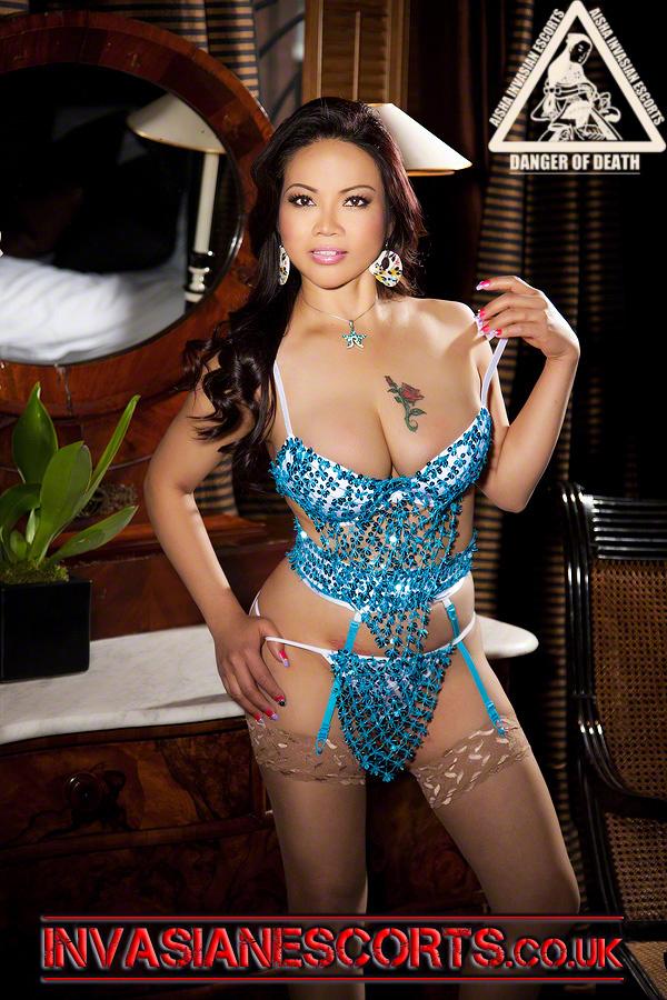 Mata April 2012 Photoshoot Pic.9