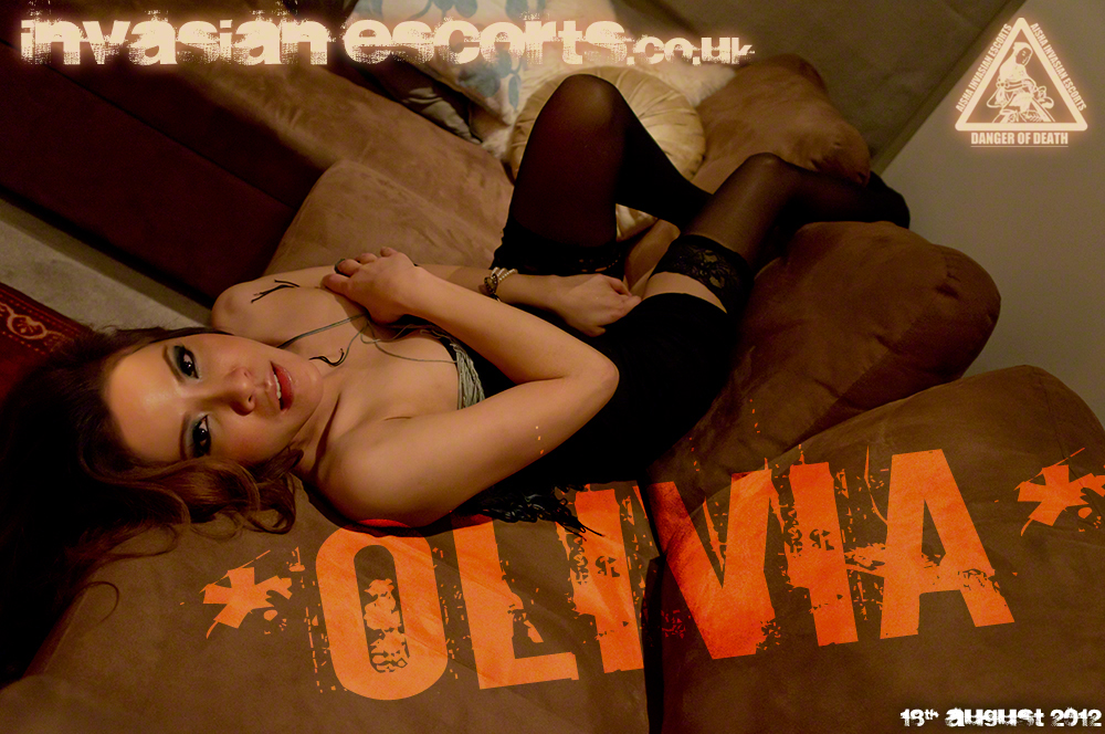 Exclusive Photo Olivia at Home 2