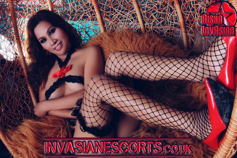 Callgirl Demi in black and red ribbon lingerie photo 5