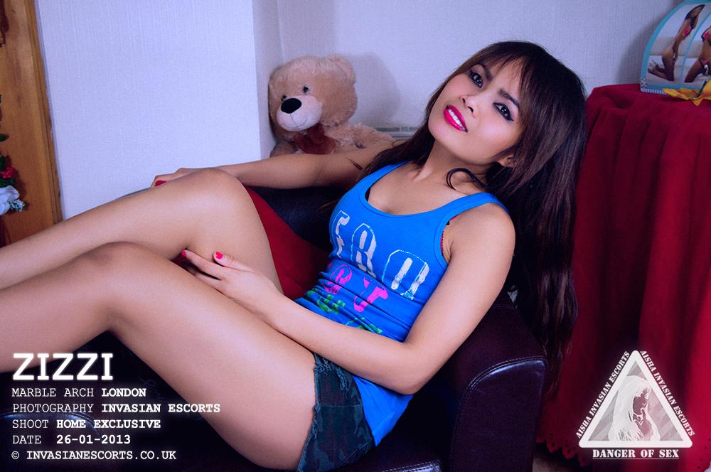 Petite Thai escort Zizzi