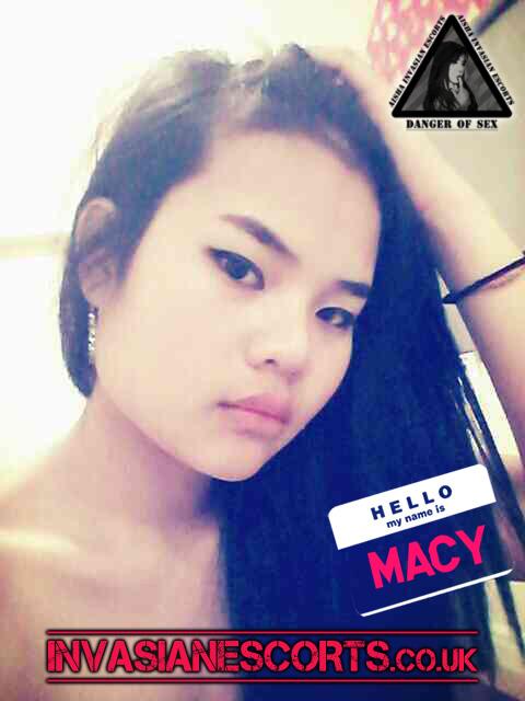 Young hottie Macy Selfie Pic